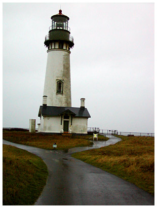 Yaquina Bay lighthouse (click for more)